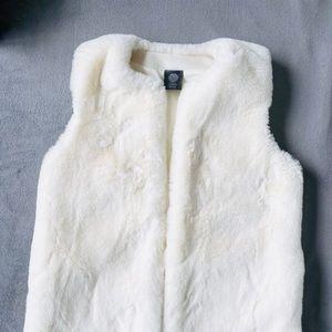 Vince Camuto White Faux Fur Vest